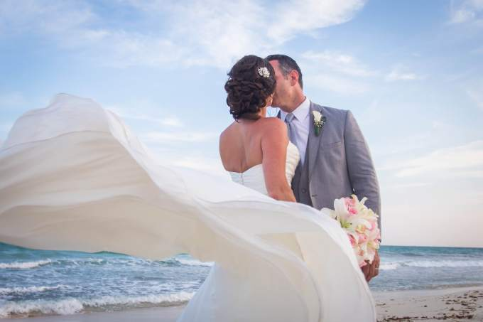 destination-wedding-beach